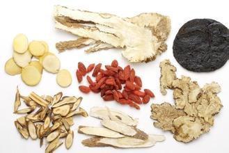 合肥白癜风医院:吃中药能使早期白癜风不变大
